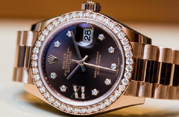 0f3f6b52b433 Most Popular Watches for Ladies (2018) - Which is the best
